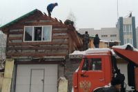 Незаконные постройки сносят.