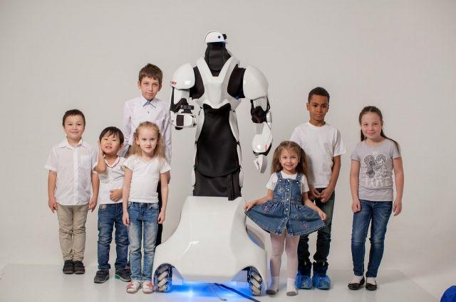 В Японии учителей уже заменяют роботами. А кто заменит педагога в России?