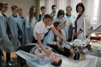 Омские школьники познакомились с медициной.