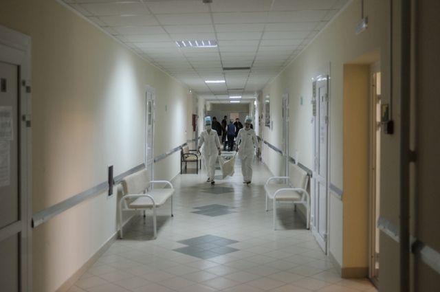 Начелябинскую больницу подали всуд из-за отсутствия бесплатных бахил