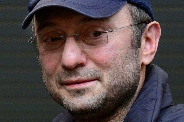 Керимов использовал «подставное» авто, чтобы сбежать от СМИ во Франции