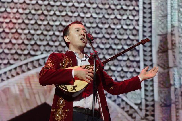 Оренбуржец получил Премию мира на фестивале казахской песни.