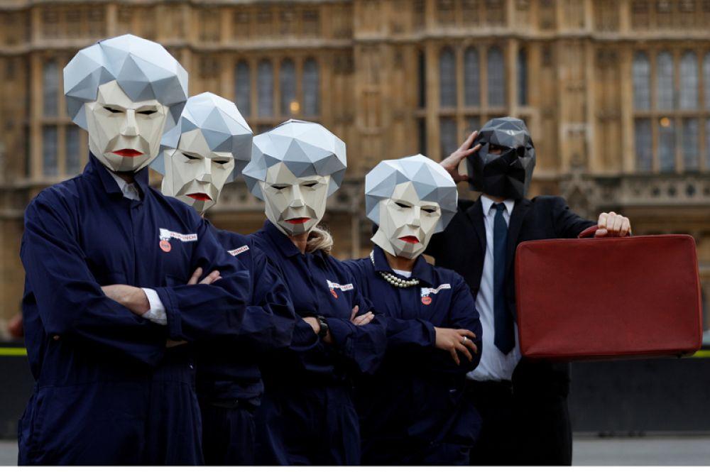 22 ноября. Британский профсоюз GMB проводит акцию протеста у стен парламента в день, когда министр финансов Филип Хэммонд представил членам парламента проект бюджета, Лондон.