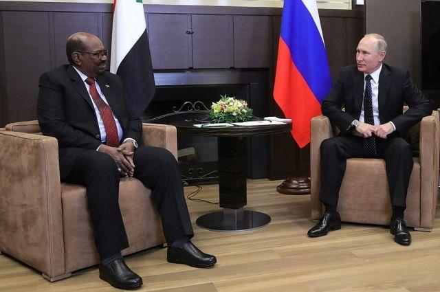 Путин провел в Сочи переговоры с президентом Судана