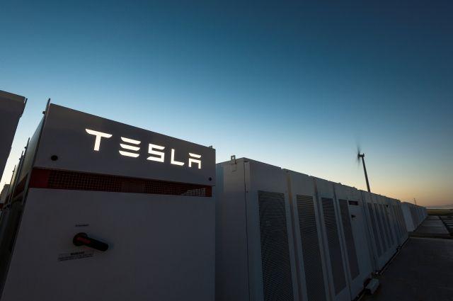 Tesla завершила строительство в Австралии крупнейшего в мире аккумулятора