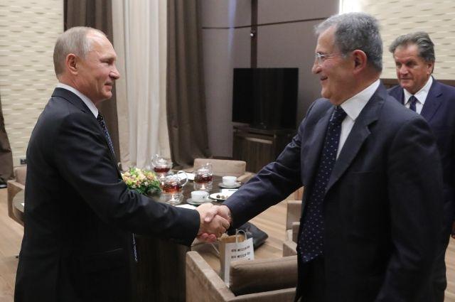 Путин в личном порядке встретился сэкс-премьером Италии