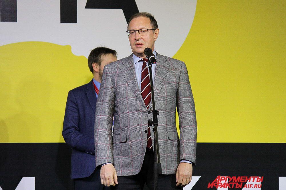Глава города Дмитрий Самойлов принял участие в церемонии награждения кинофестиваля.