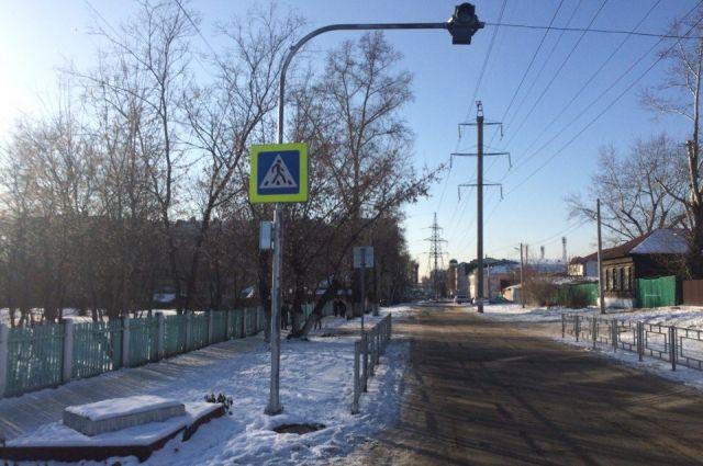 ВМагнитогорске шофёр Сhevrolet сбил пешехода и исчез сместа ДТП