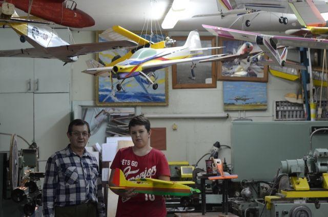 Трудно поверить, что эти самолеты и роботы сделали дети.