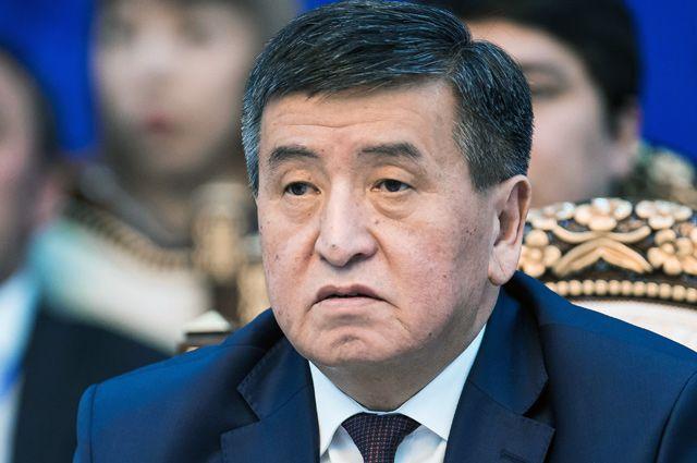 Новый президент Киргизии присвоит предшественнику звание Героя республики