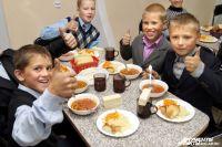 Депутаты Дзержинска решают, продлевать ли льготы на школьные завтраки.