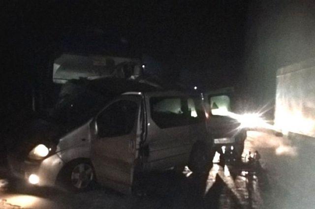 5 человек погибли вДТП смикроавтобусом вЧувашии