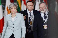 Премьер-министр Великобритании Тереза Мэй перед началом 5 саммита Восточного партнерства в Брюсселе.