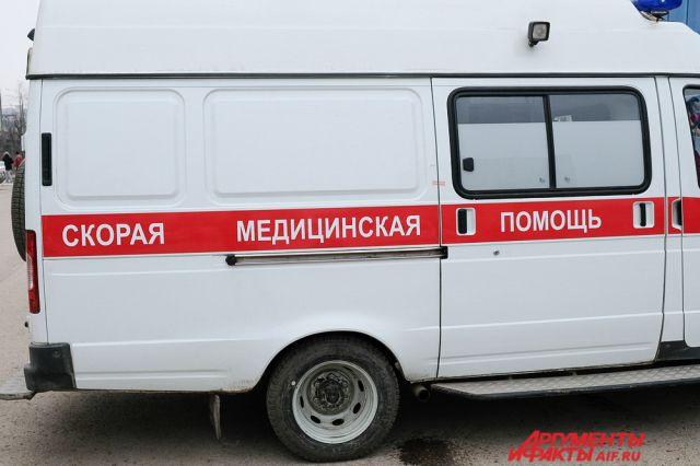 В больницу попали три человека: участковый полиции, сотрудник ГАИ и 21-летний нападавший.