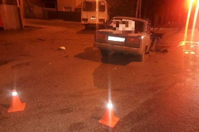 УМВД: В Оренбурге в ДТП с «ПАЗом» и «ВАЗом» пострадали 7 человек.