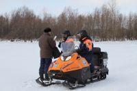 Омичей оштрафуют за выход на лёд в неположенном месте.