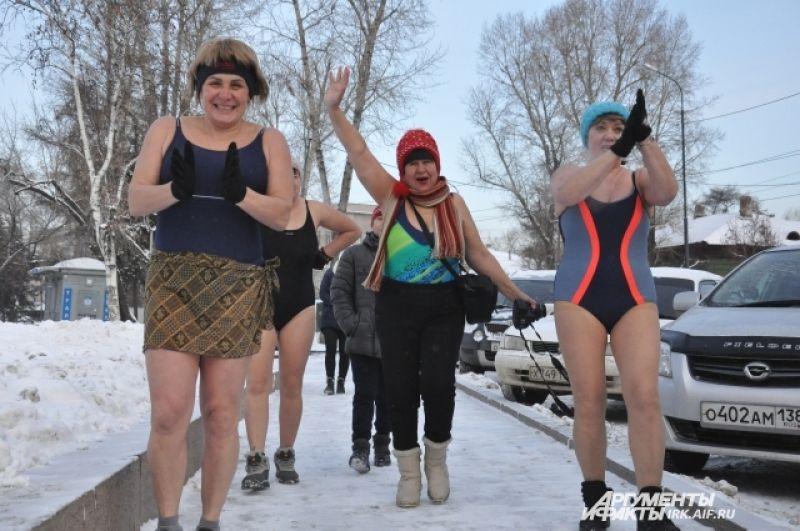 Самой тяжелой оказалась дистанция в 35 км эстафетой – каждый в итоге провел в ледяной воде по  пол часа.