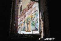 До сих пор любопытные авантюристы пробираются в «ликерку», чтобы увидеть знаменитую мозаику.