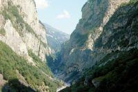Некоторые жители в селениях Нижней, Средней и Верхней Балкарии, узнав о произошедшем, стали уходить в горы и формировать отряды повстанцев.