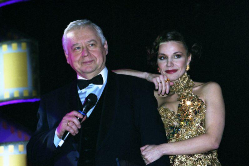 Олег Табаков и его супруга Марина Зудина. 2005 год.