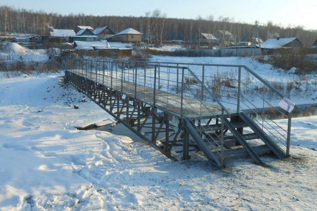 В Кемерове появился пешеходный мост через Куро-Искитим.