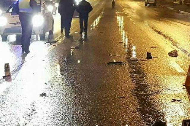 В Киеве мужчина и женщина были сбиты машиной: водителя разыскивает полиция