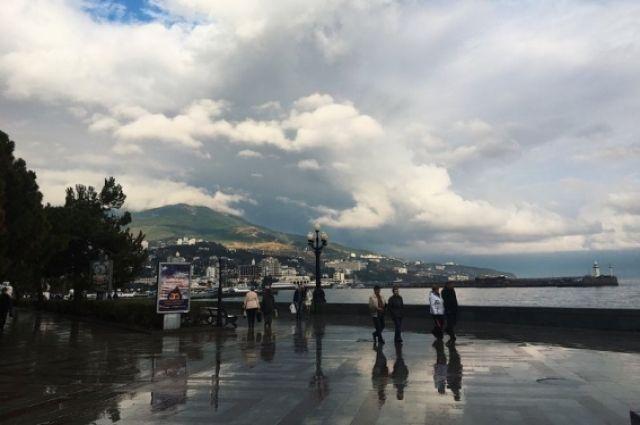 Власти Крыма сообщили обувеличении количества туристов с государства Украины