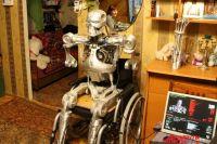 На память создателю робота остались только рука и программное обеспечение.