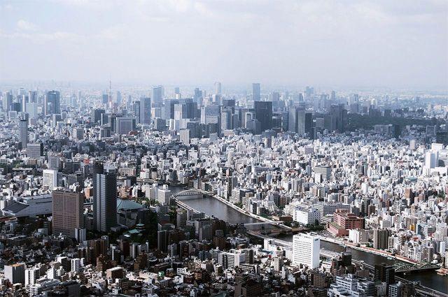 Район Сумида. В Токио в черте города расположен 21 мусоросжигательный завод.