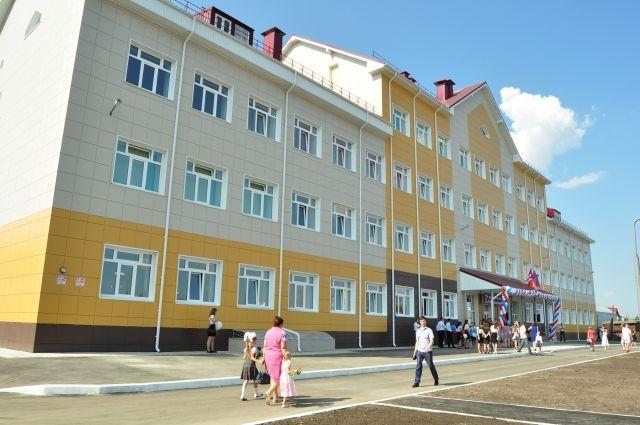 не Фадиной удалось получить дополнительные 50 млн рублей на замену окон в школах Омска.