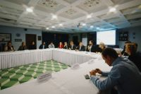В Тюмени обсудили влияние федеральных торговых сетей на местных производителей
