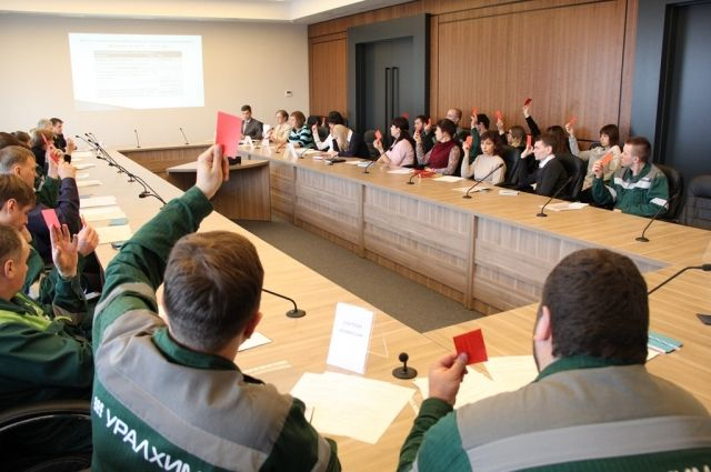 Делегаты конференции единогласно проголосовали за принятие нового коллективного договора.