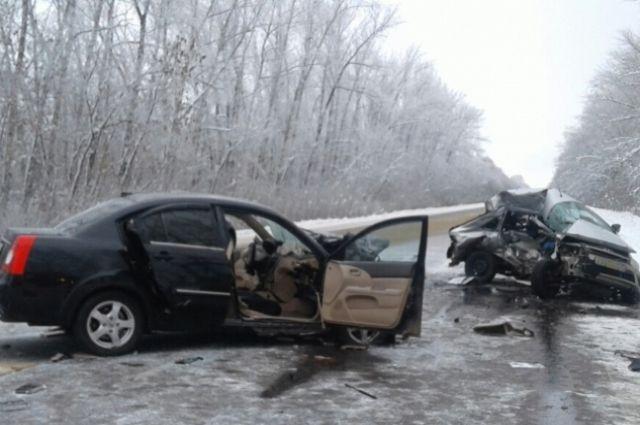32-летний шофёр «Гранты» умер натрассе вВоронежской области