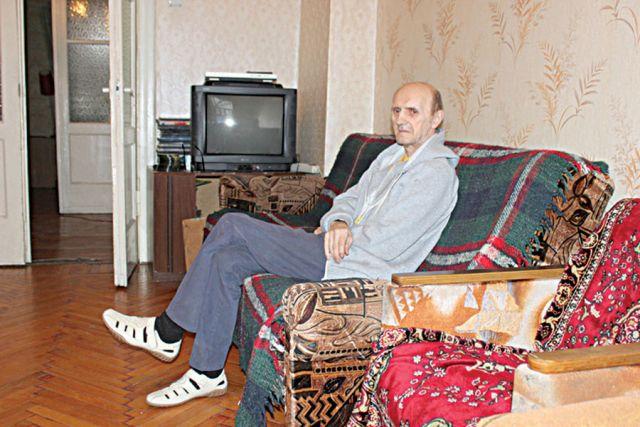 Валерий живёт в доме трудолюбия 8 лет.