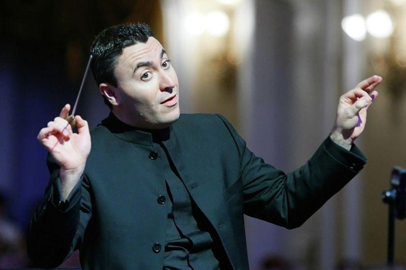 Дважды получал статуэтку скрипач и дирижёр Максим Венгеров.