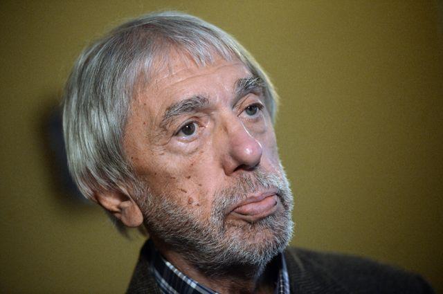 Эдуард Артемьев.