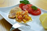 Филе индейки хорошо сочетается с гарниром из овощей.