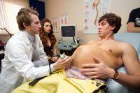 Вынашивать ребёнка, конечно, женщине. Но течение её беременности во многом зависит от мужчины.