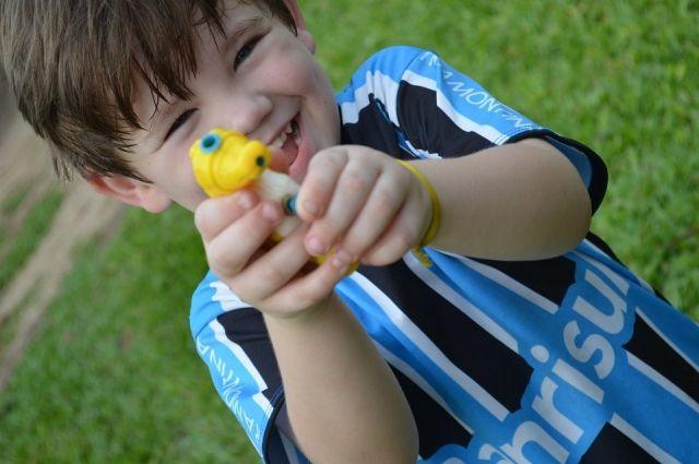 В северной столице ребенок пришел вдетский парк спистолетом