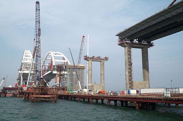 «Срочно остановить». Почему Украине поздно срывать стройку Крымского моста
