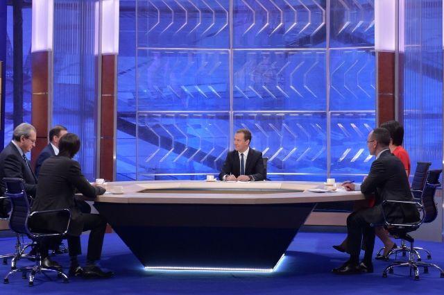 Медведев призвал отказаться отдолевого возведения впользу «нормальной» ипотеки