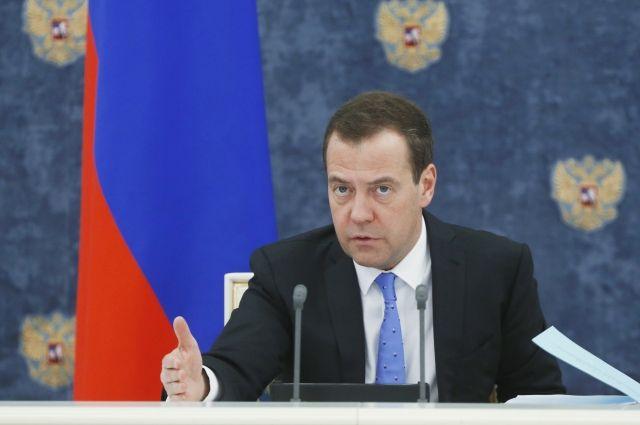 Медведев пообещал рост реальной заработной платы на3% по результатам года