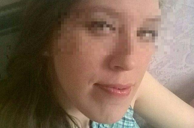 После свидания она позвонила родным и сказала, что мужчина сделал ей предложение, но она ему отказала. Также она отправила смс о том, что вызвала Яндекс-такси от площади Восстания.