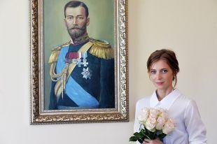 Прокурор Республики Крым Наталья Поклонская на рабочем кабинете на Крыму.