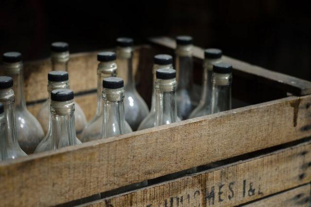 В Омске изъяли контрафактную алкогольную продукцию.