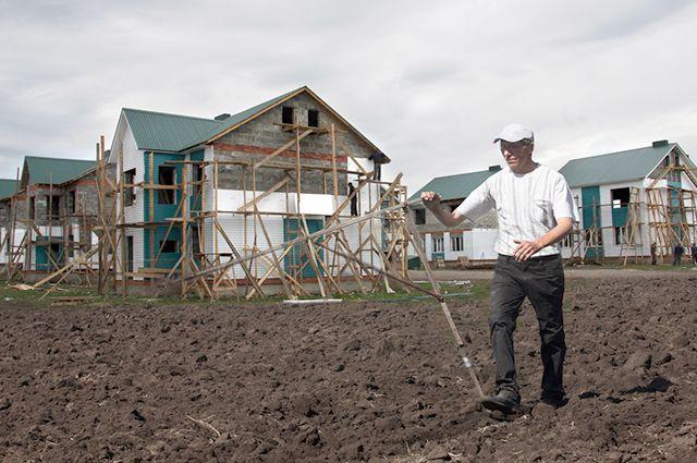 Многодетные семьи Тюмени получат землю в деревне Падерина