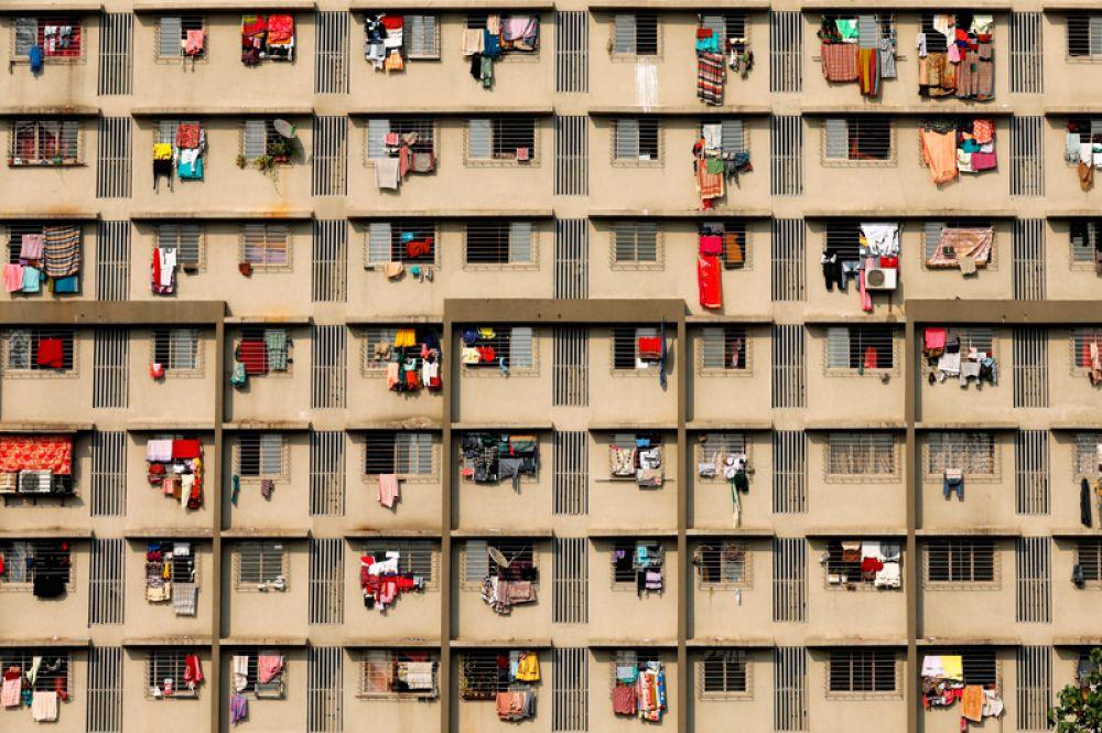 27 ноября. Прачечная в жилом здании в Мумбаи, Индия.