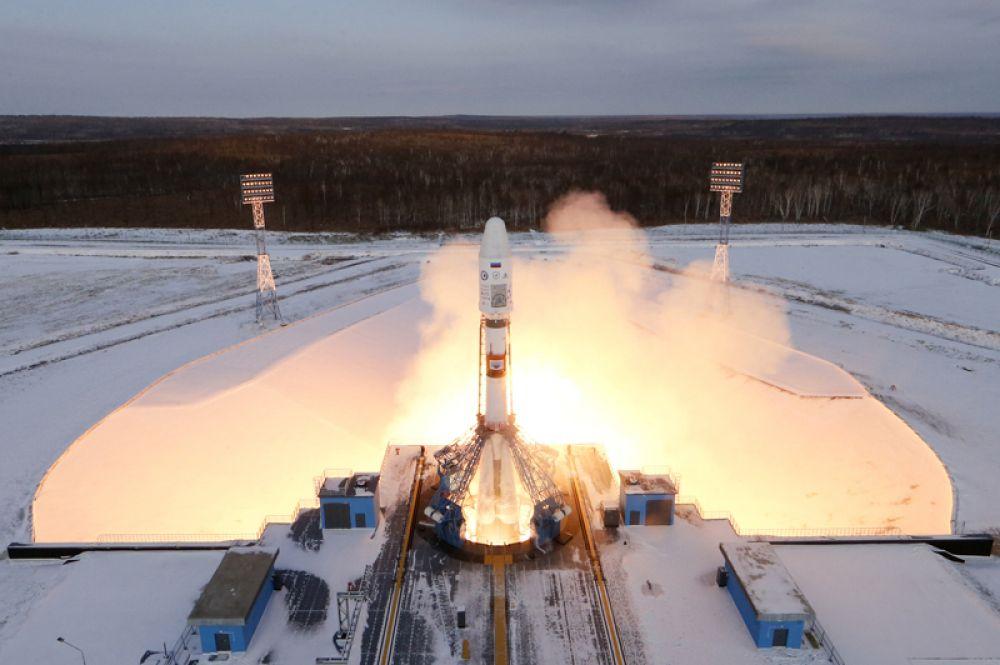 28 ноября. С космодрома «Восточный» стартовала ракета «Союз» с 19 спутниками.