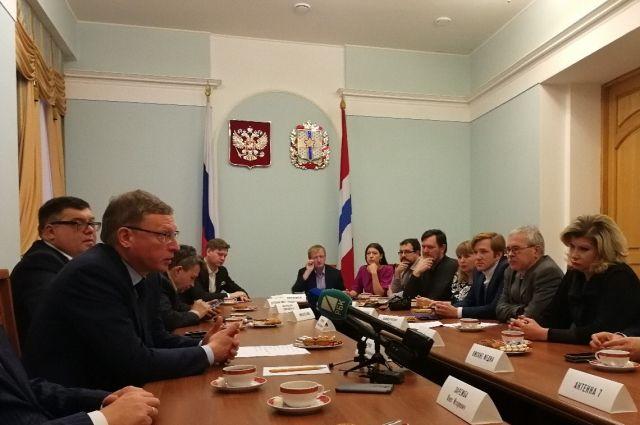 Губернатор пообщался с руководителями омских СМИ.