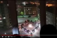 На видео несколько машин образовали сердце.